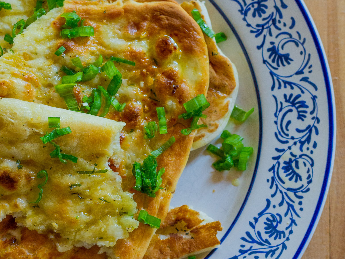 original-201311-r-green-onion-naan.jpg