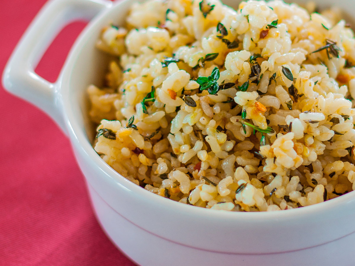 original-201311-r-lemon-brown-rice-with-garlic-and-thyme.jpg
