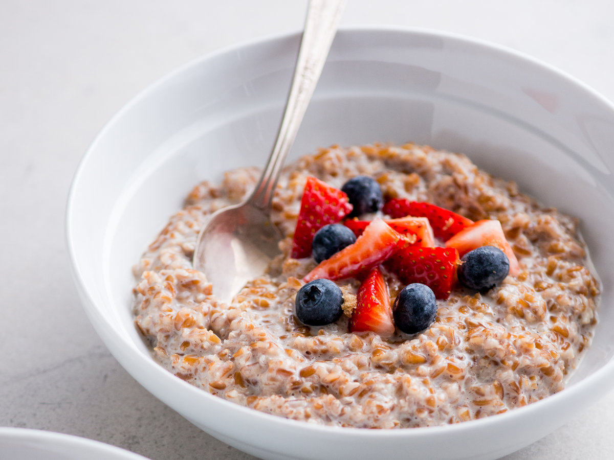 original-201311-r-brown-sugar-cinnamon-bulgur-breakfast-bowl.jpg