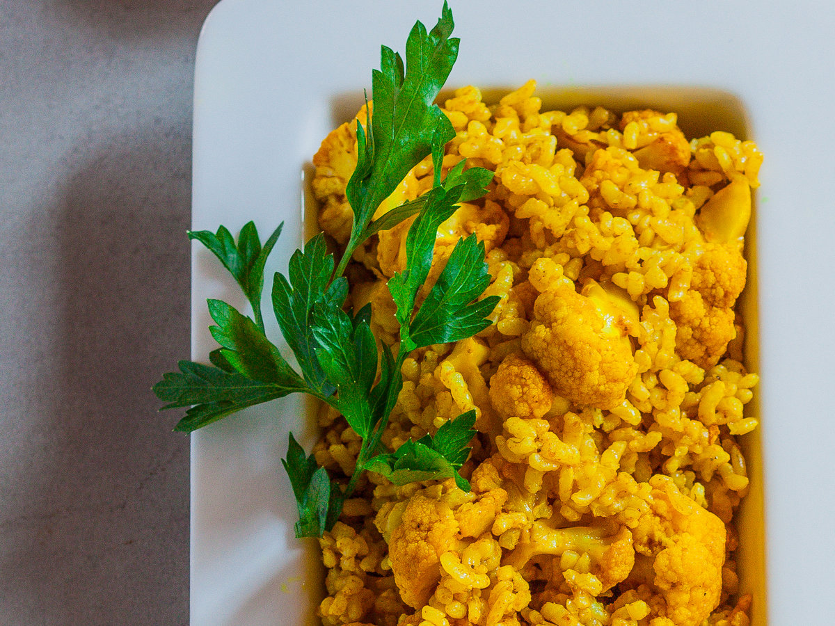 original-201311-r-curried-brown-rice-with-roasted-cauliflower.jpg