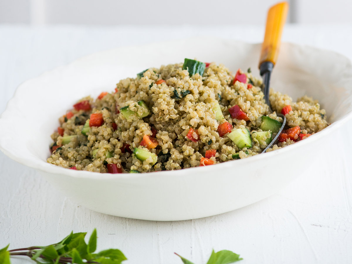 original-201311-a-pesto-quinoa-salad-with-bell-pepper.jpg