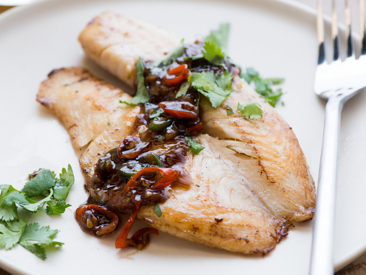 original-201311-r-tilapia-with-spicy-garlic-oyster-sauce.jpg