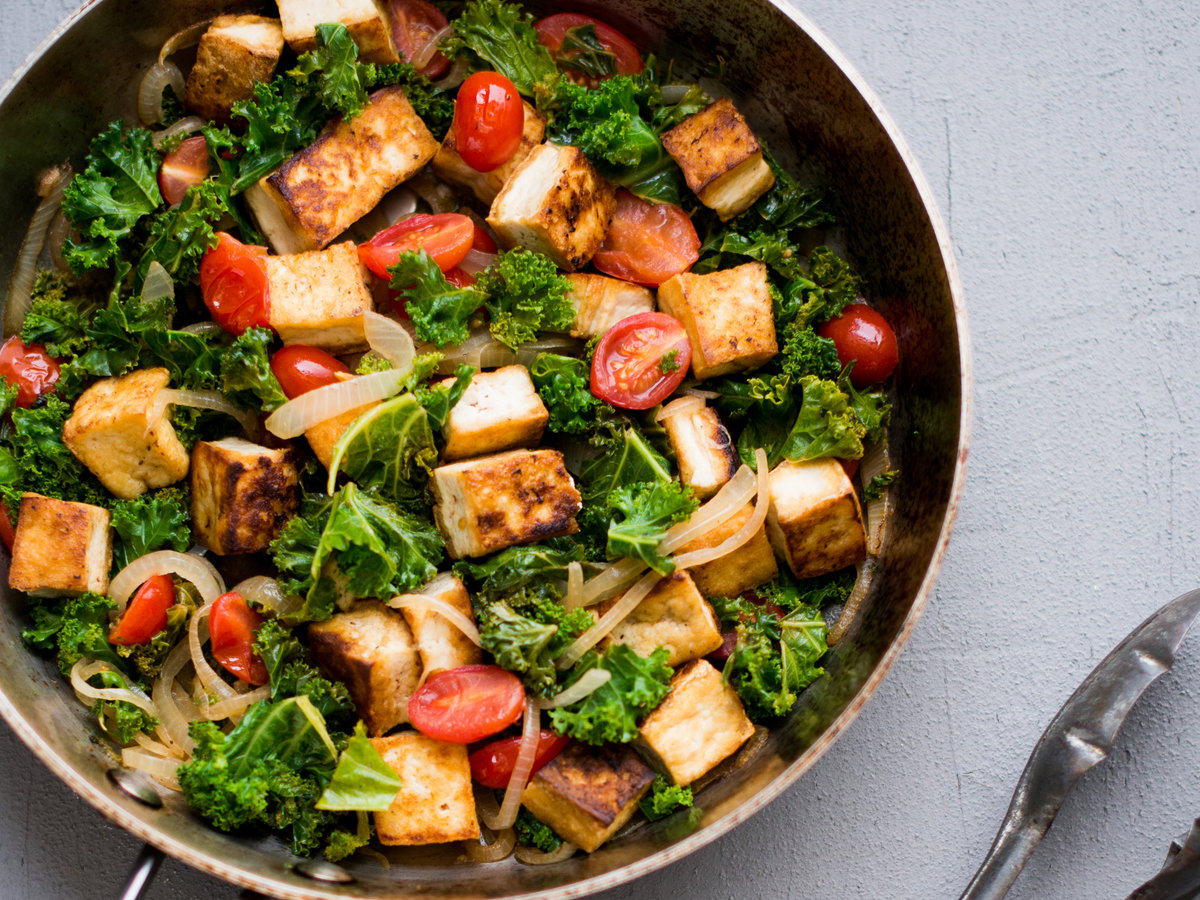 original-201311-r-tofu-kale-and-tomatoes-in-white-wine.jpg