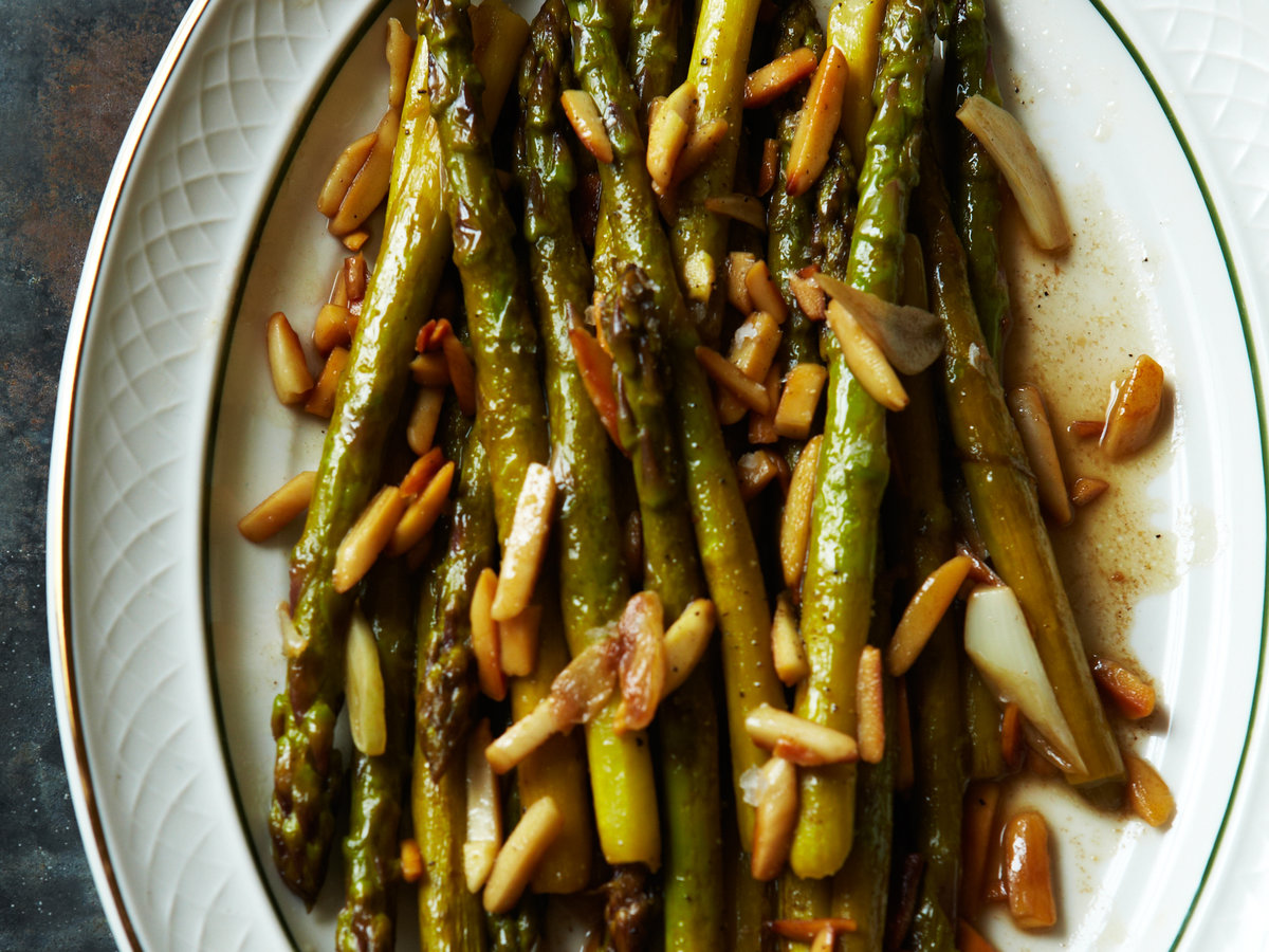 original-201204-r-asparagus-with-toasted-almonds-and-garlic.jpg