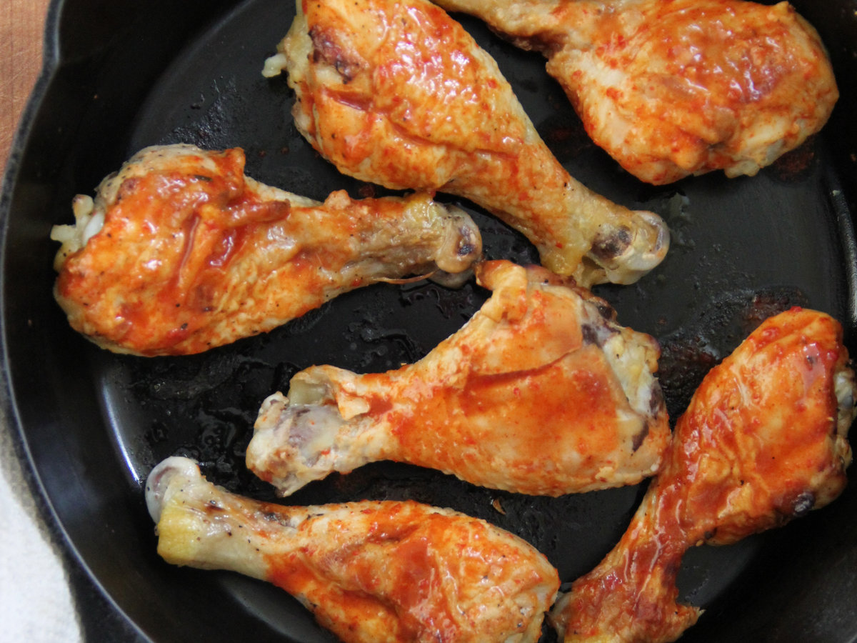 201405-r-buffalo-chicken-legs.jpg