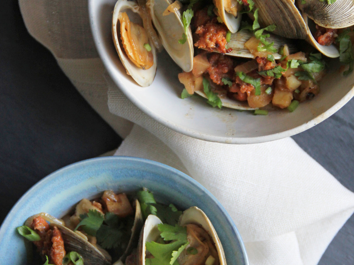201405-r-portuguese-clams-with-potatoes-and-chorizo.jpg