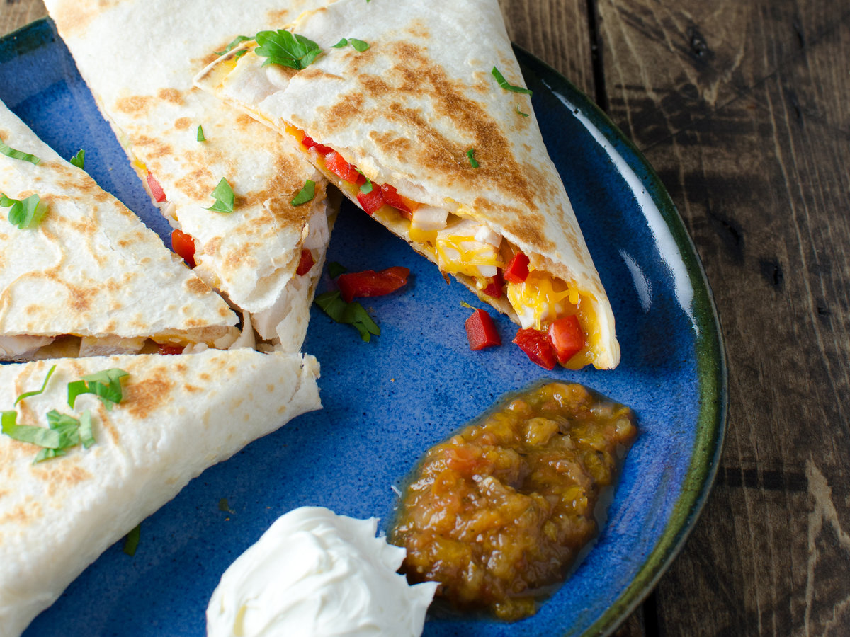 201404-r-easy-chicken-quesadillas-kristen-stevens.jpg
