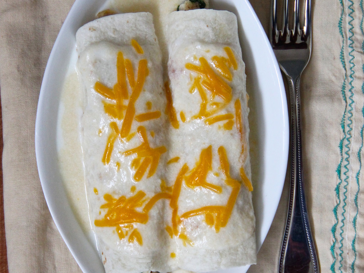 hd-201404-r-hatch-chile-enchiladas.jpg