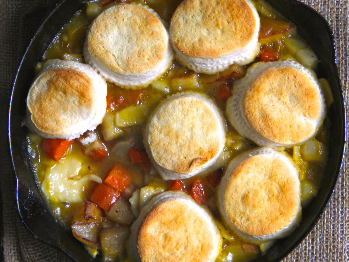 hd-201405-r-skillet-buscuit-pot-pie.jpg