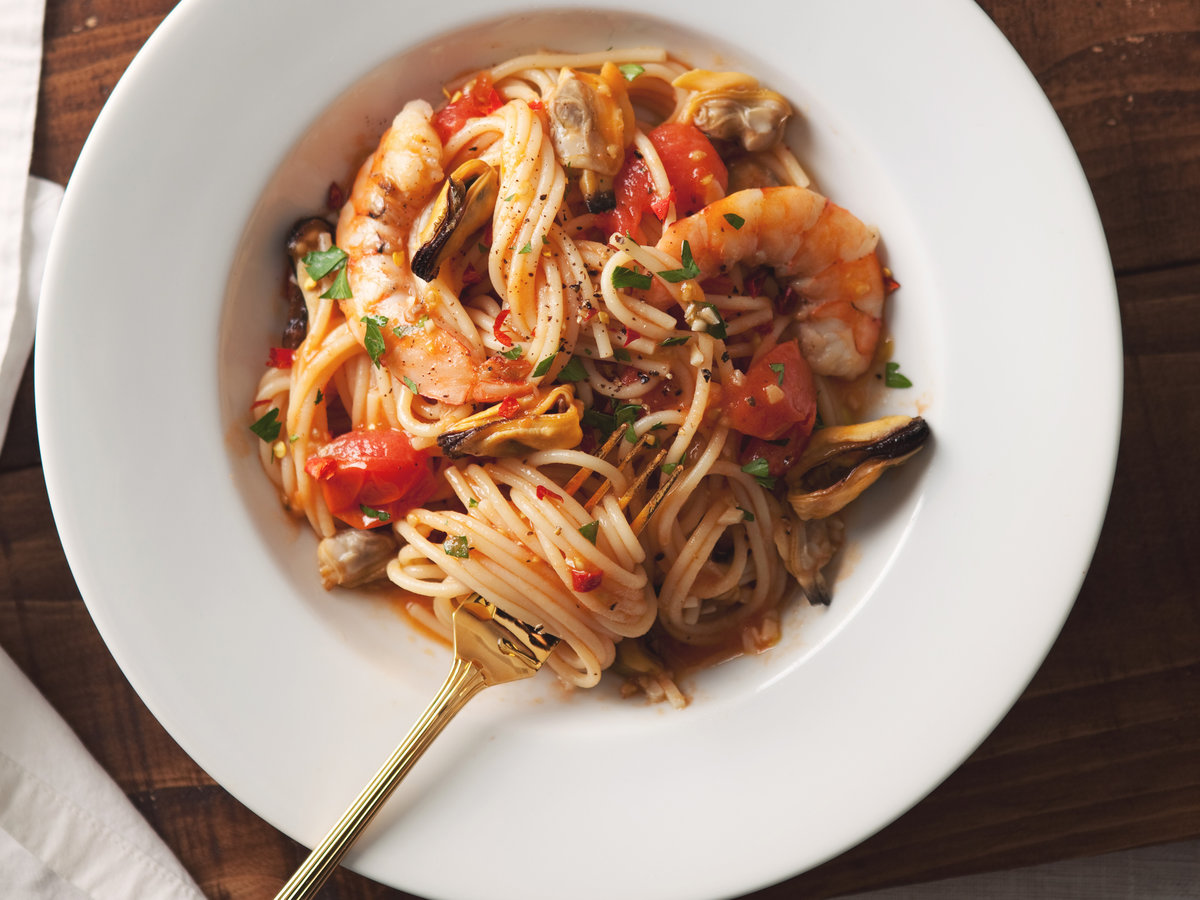 original-201204-r-spaghetti-with-mussels-clams-shrimp.jpg