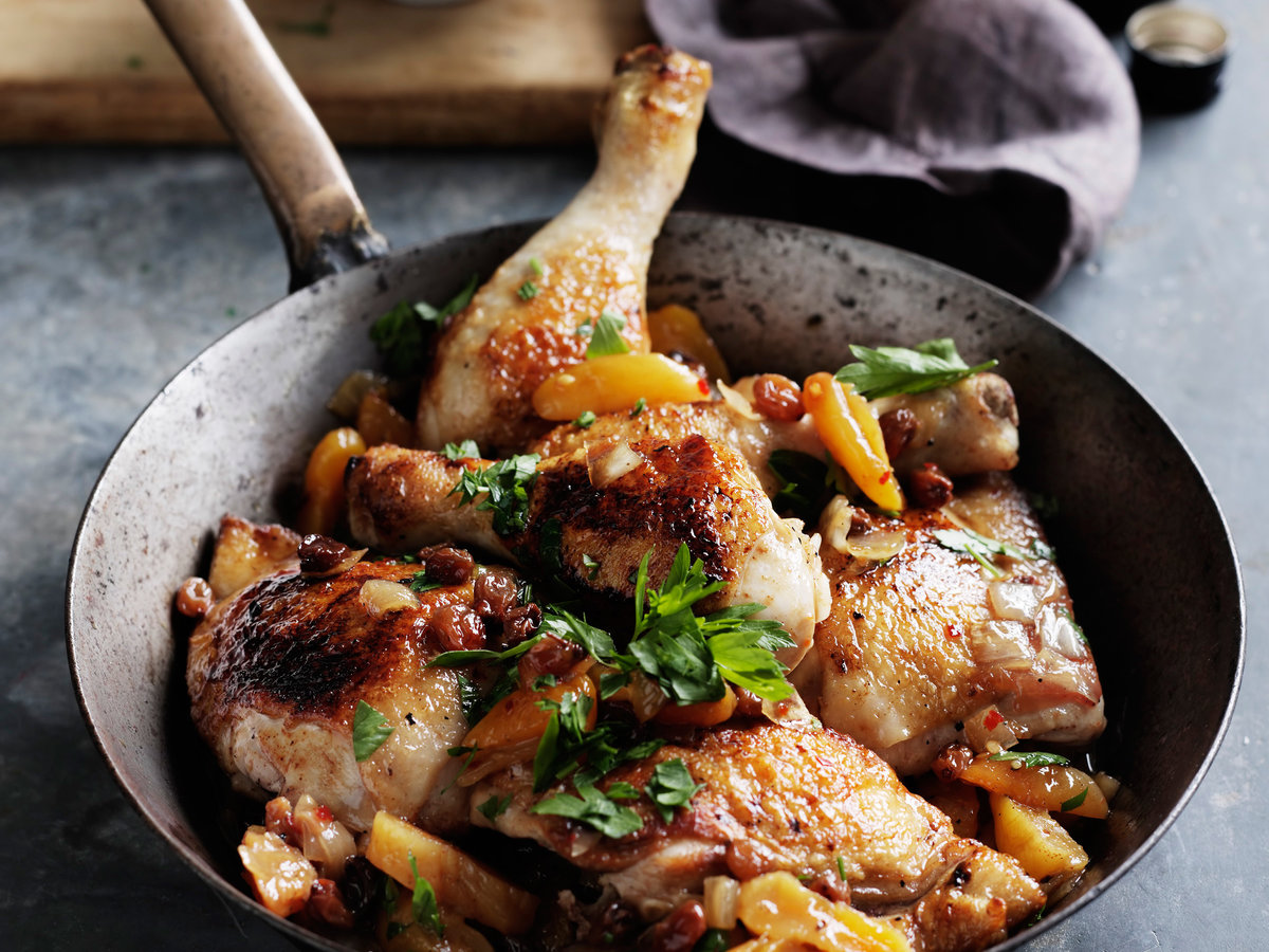 original-201205-r-spiced-chicken-legs-with-apricots-and-raisins.jpg