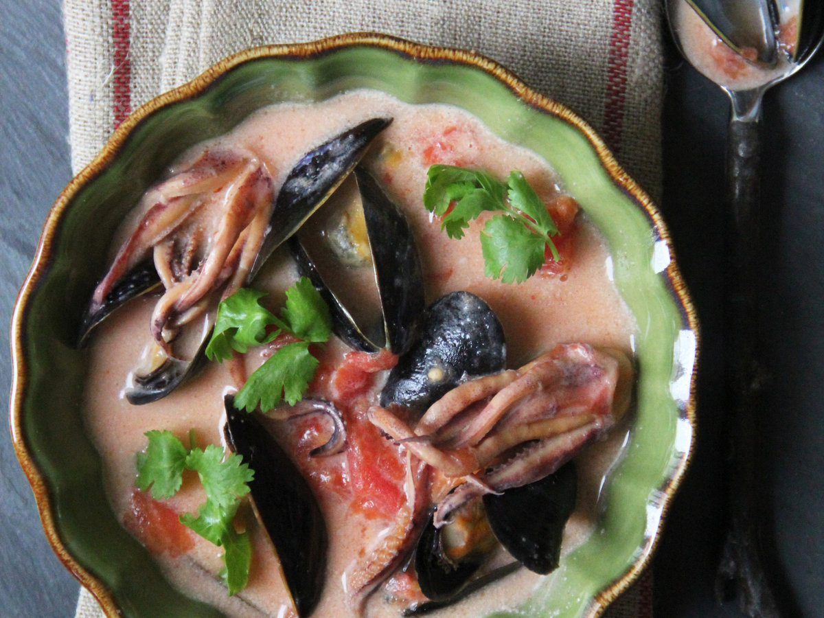 201404-r-squid-and-mussel-moqueca.jpg