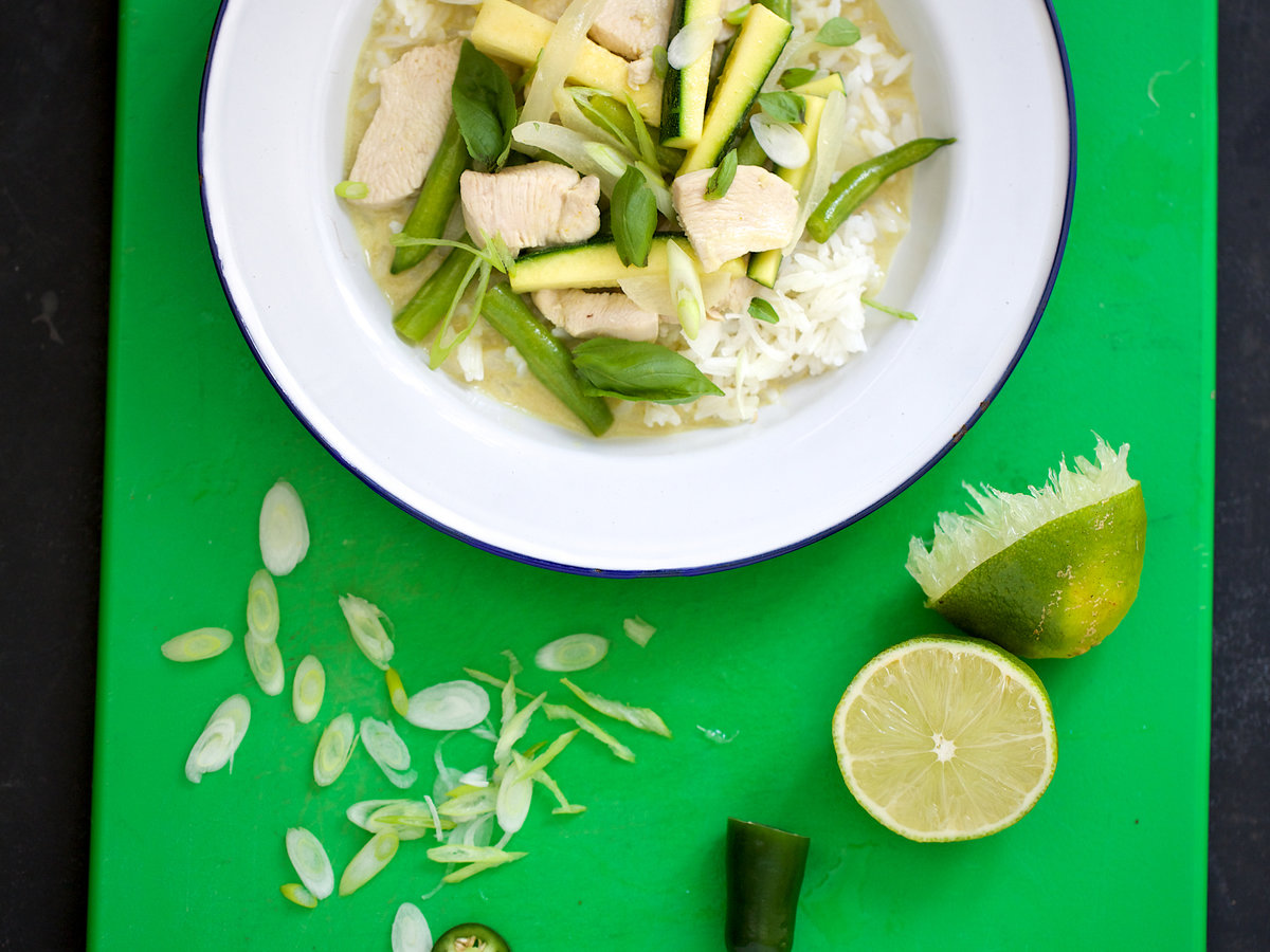 201408-r-thai-green-curry-chicken-with-zucchini-and-green-beans.jpg