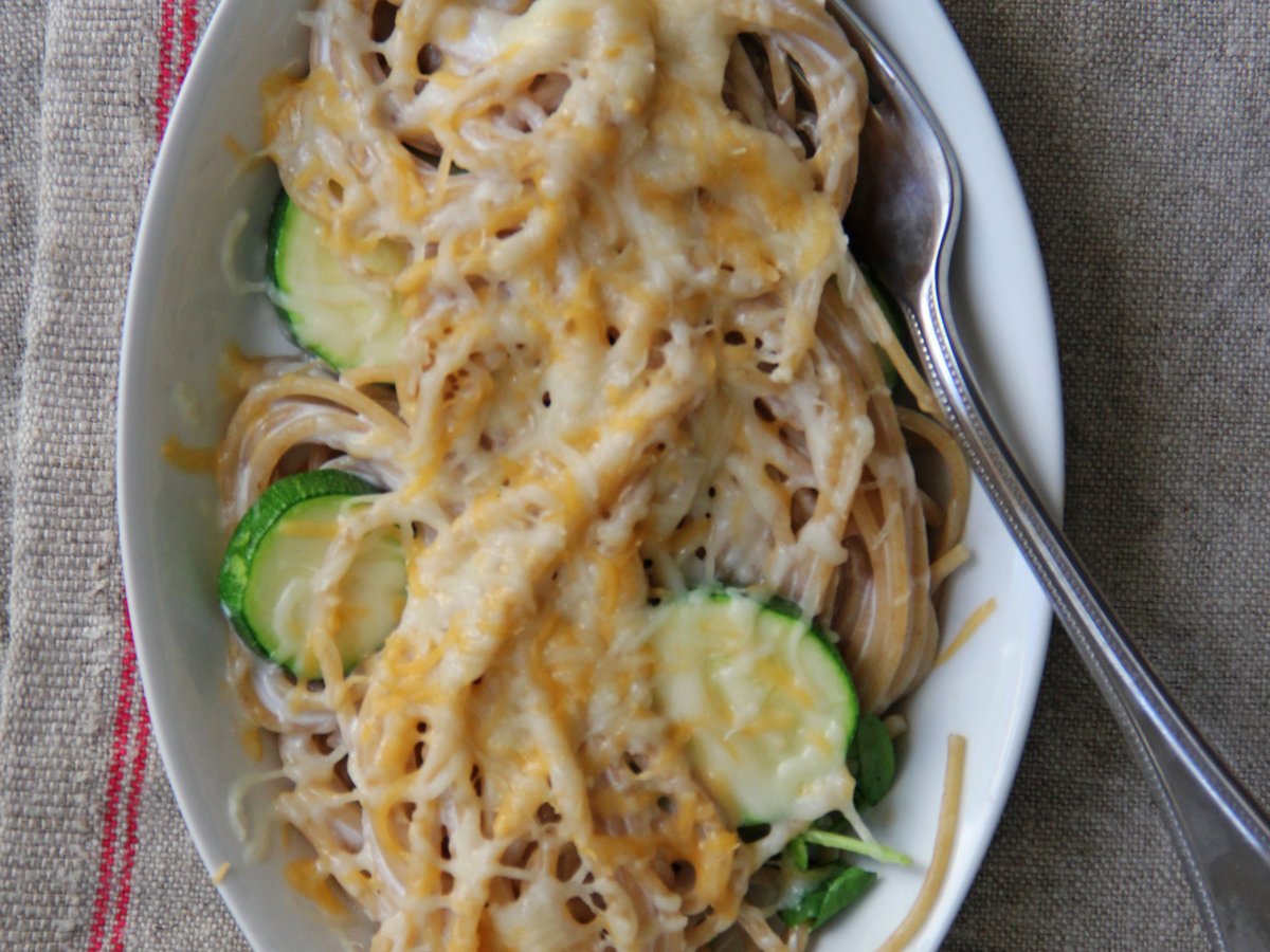 201404-r-whole-wheat-spaghetti-and-zucchini-mac-n-cheese.jpg