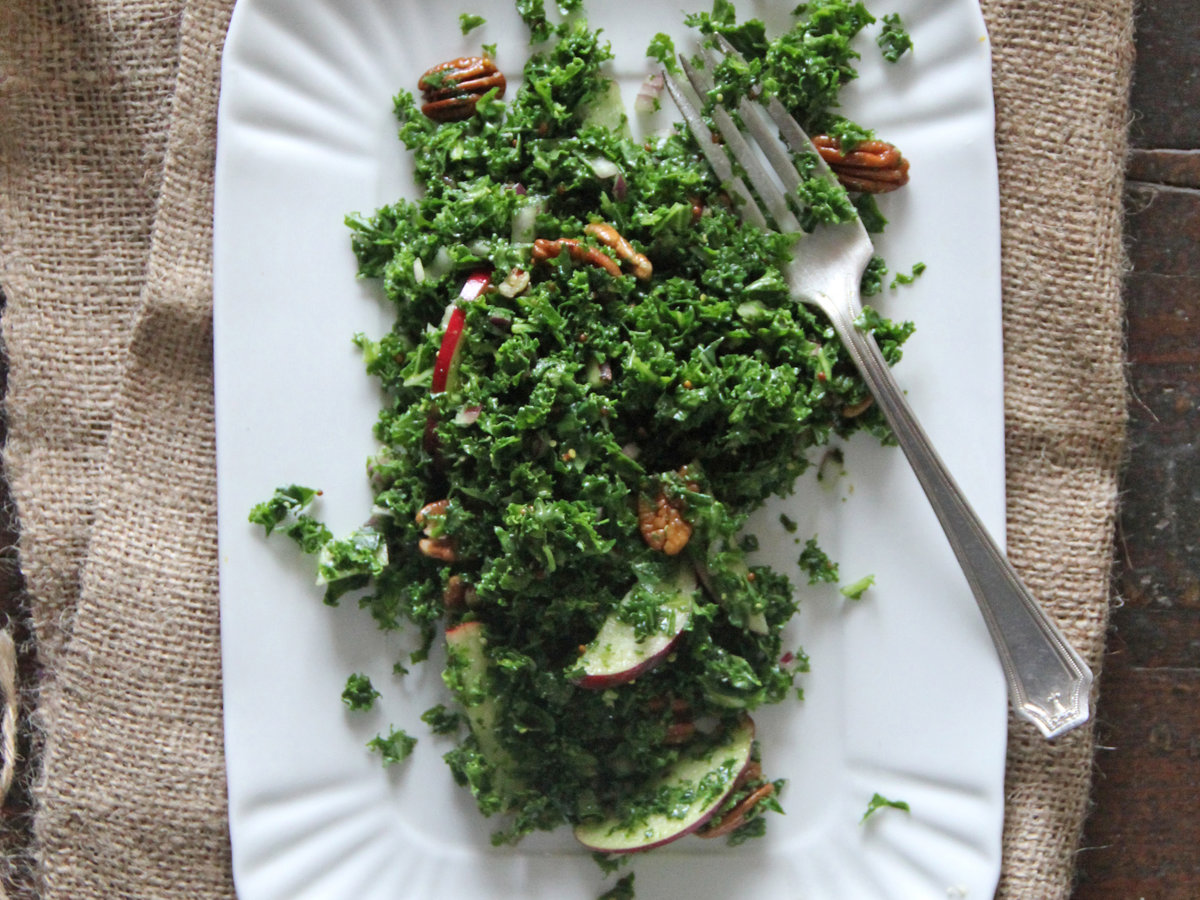 201405-r-winter-kale-salad.jpg