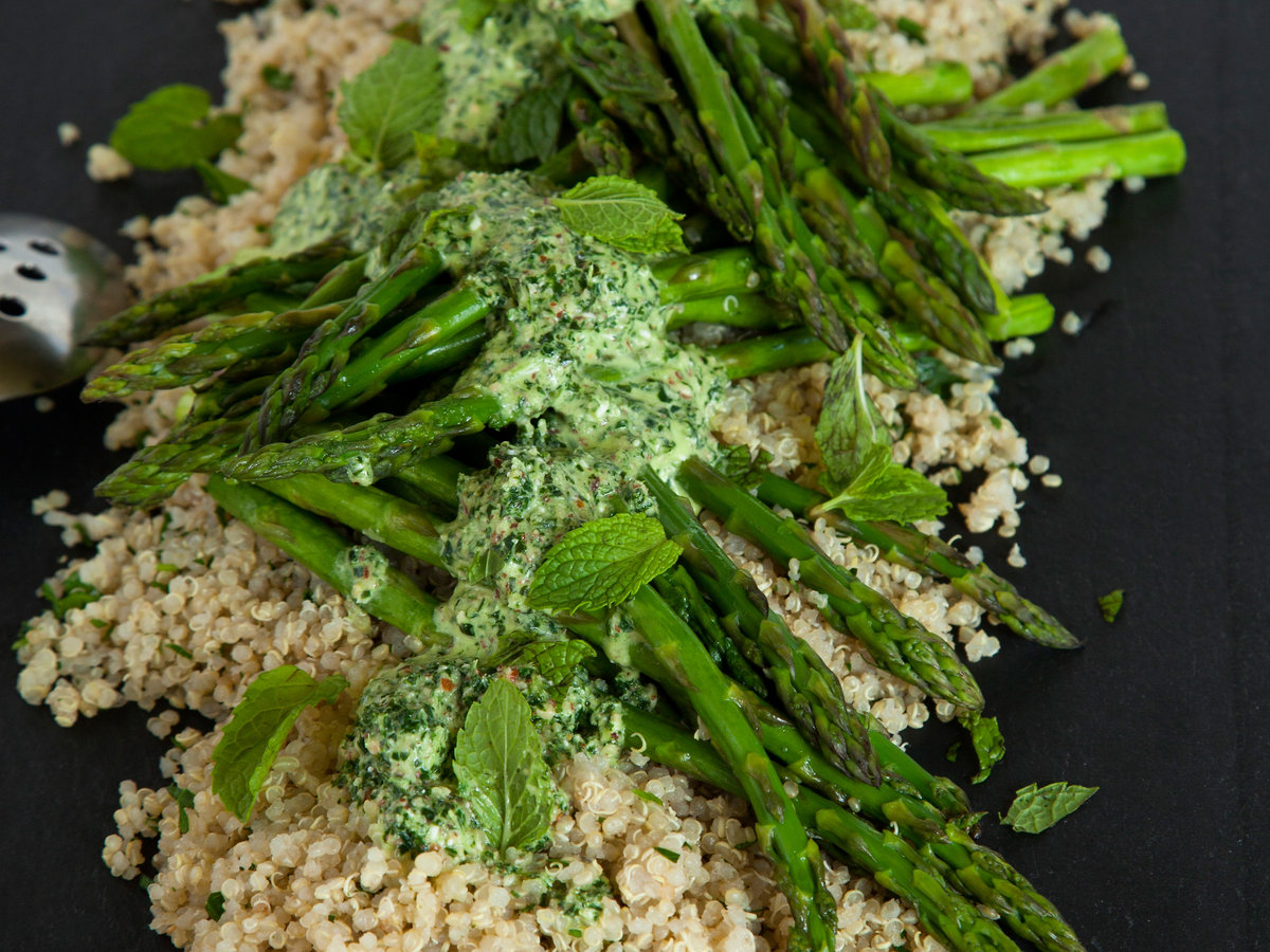 original-201401-r-herbed-quinoa-and-roasted-asparagus-with-a-kale-pesto-sauce.jpg
