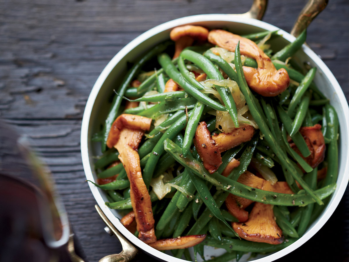 original-201402-r-haricots-verts-with-chanterelles.jpg
