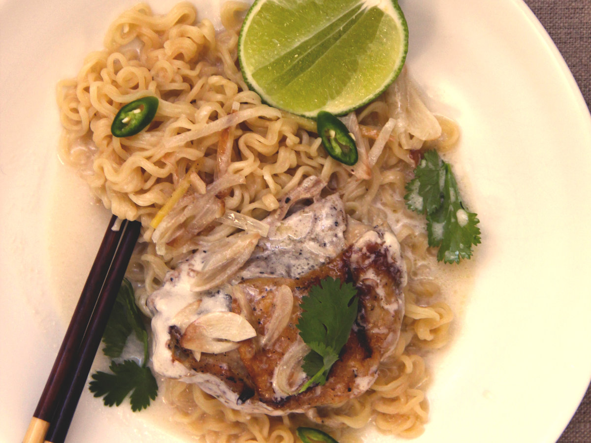 original-201405-r-thai-chicken-ramen.jpg