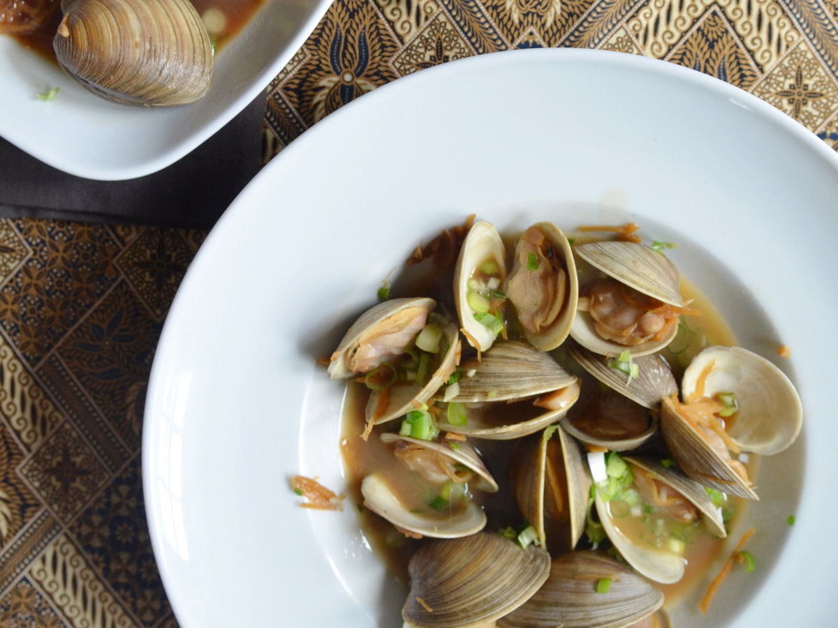original-201406-r-Manila-Clams-with-Soy-Butter.jpg