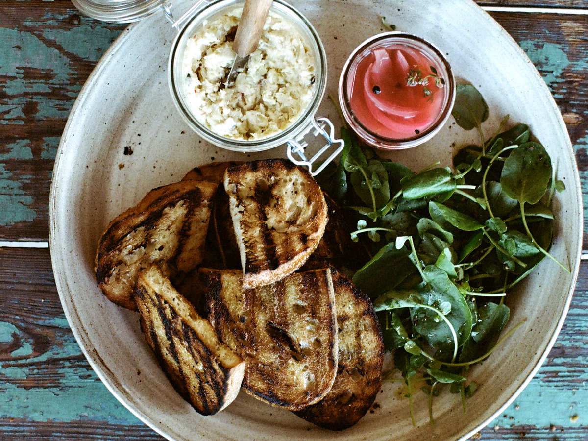 original-201408-r-smoked-sturgeon-spread-with-grilled-bread.jpg