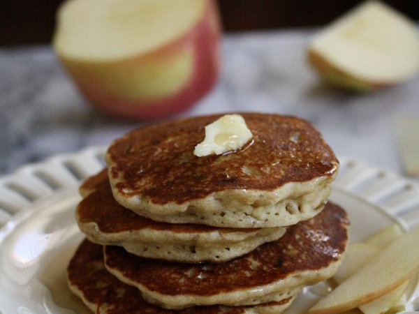 original-2015-r-apple-cinnamon-pancakes.jpg