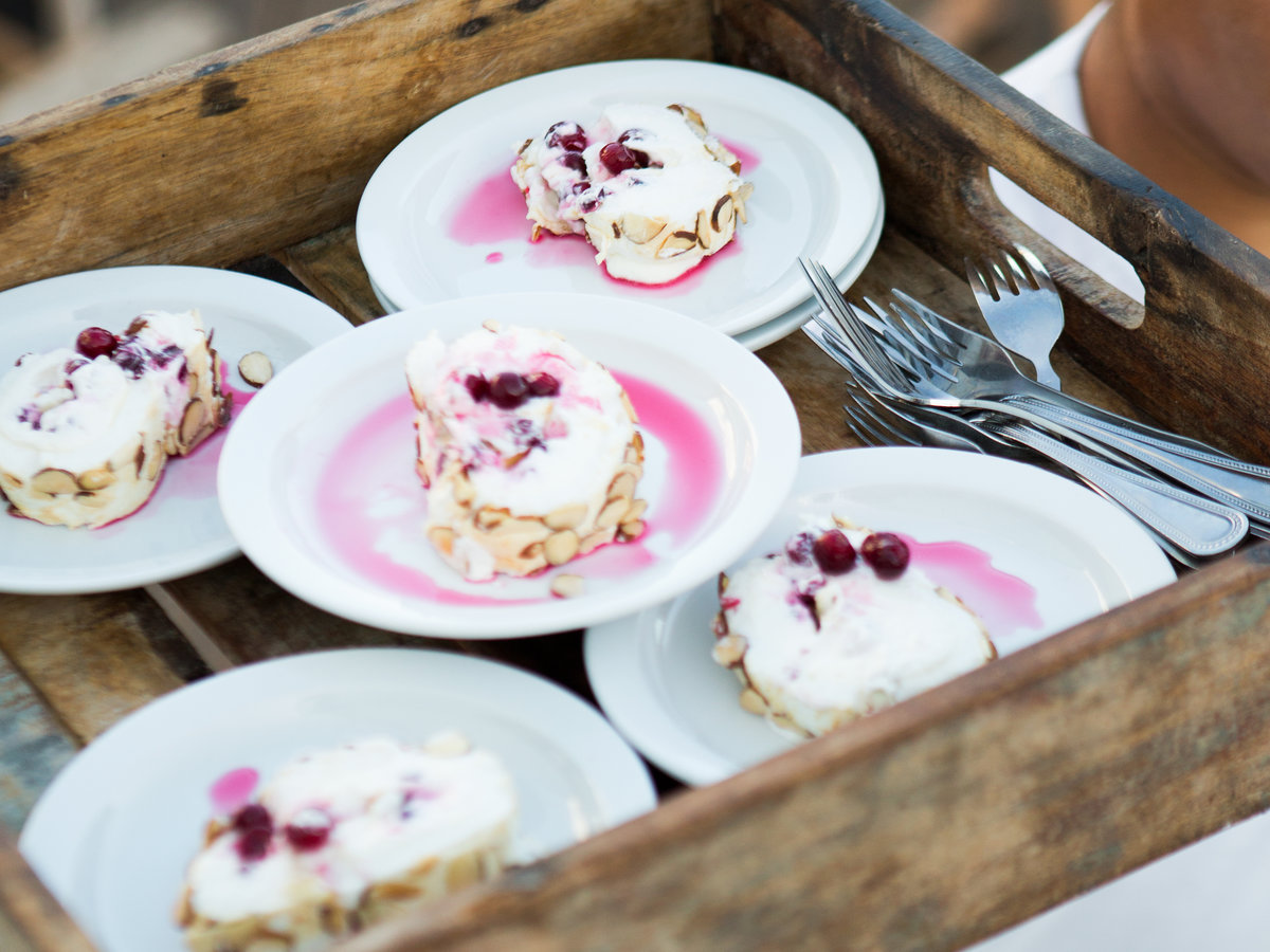 original-201501-r-cranberry-and-almond-meringue-roulade.jpg
