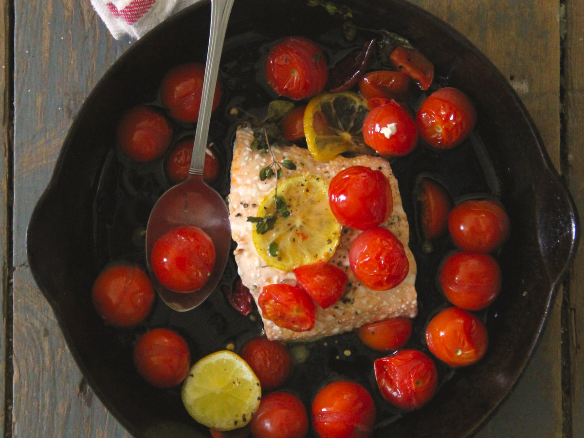 201503-r-roasted-cherry-tomato-baked-salmon.jpg