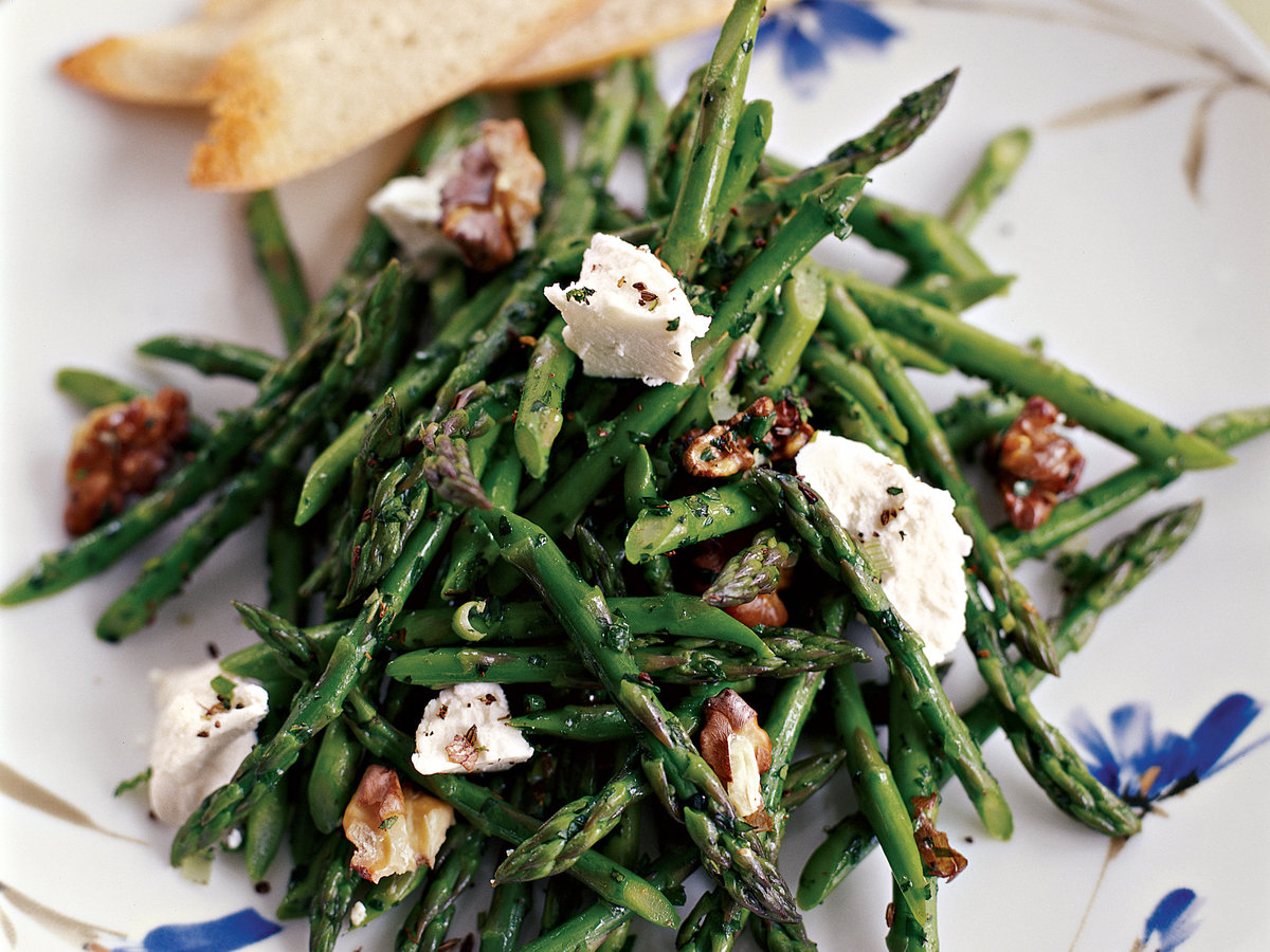 Asparagus Salad with Toasted Walnuts and Goat Cheese