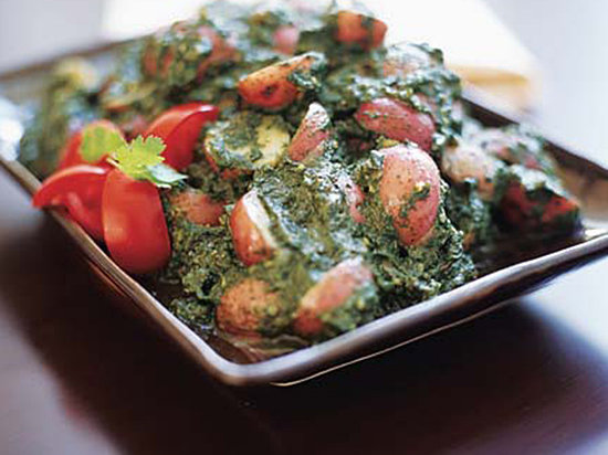 Coriander-Spiced New Potatoes in Spinach Sauce