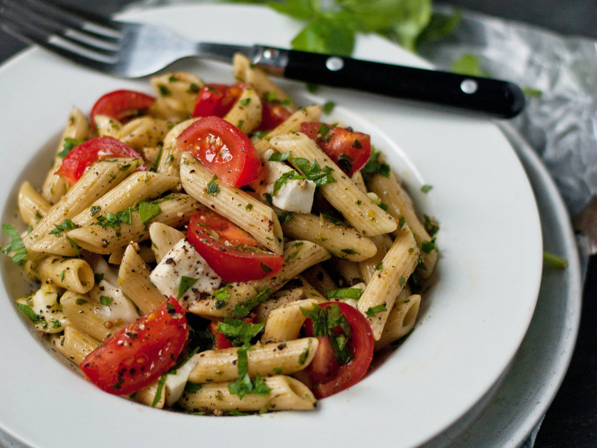 original-201310-r-penne-with-salsa-verde-mozzarella-and-cherry-tomatoes.jpg