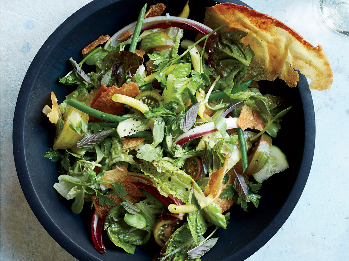 Summer Salad with Herbs Pita Crisps