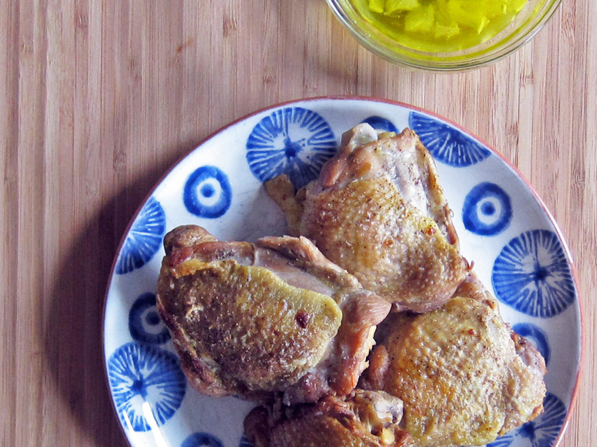 HD-201405-r-roast-chicken-thighs-with-lemon-vinaigrette.jpg