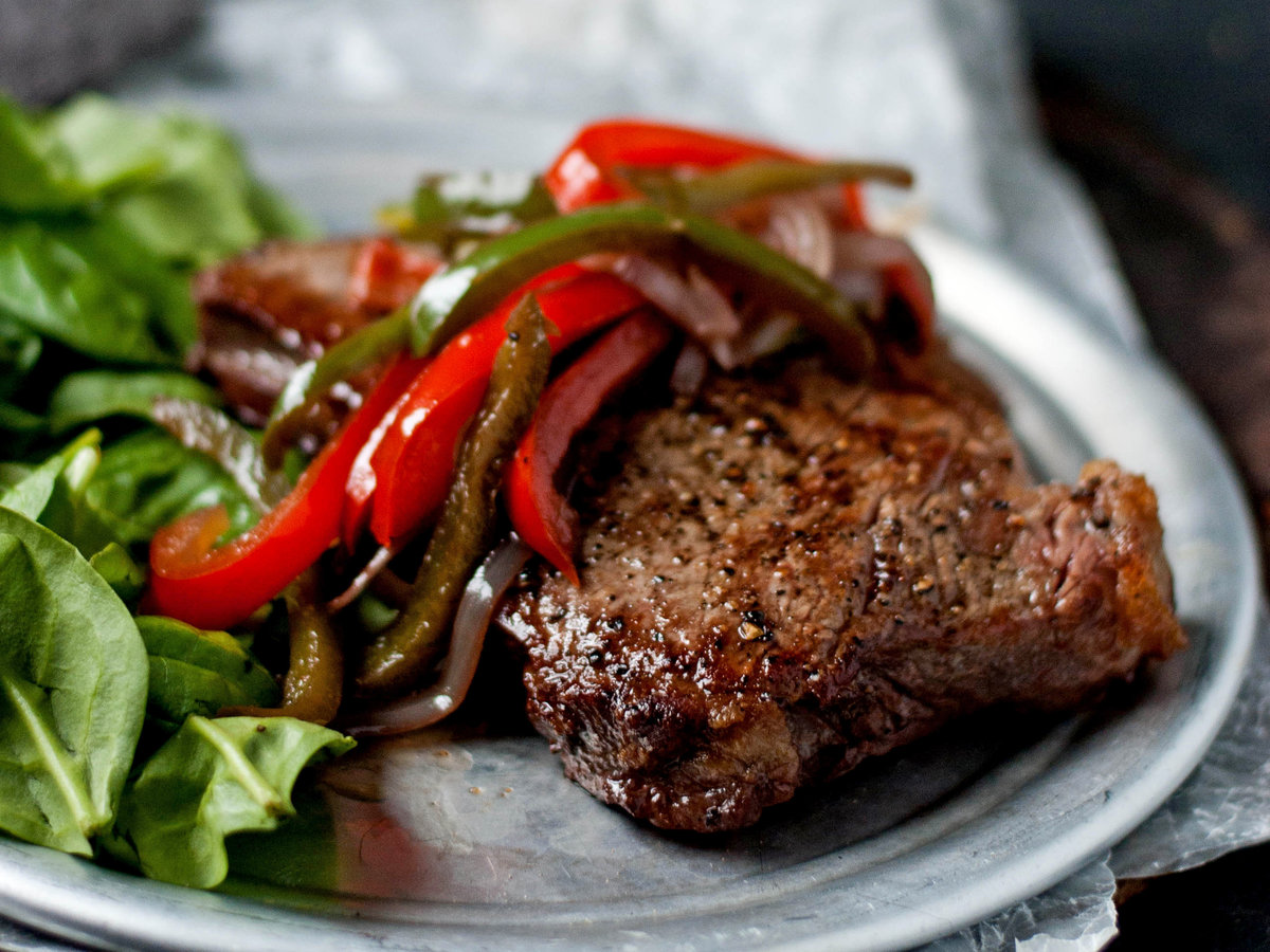 original-201310-r-sauteed-steaks-with-red-wine-and-peppers.jpg