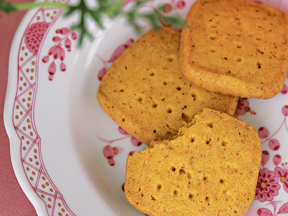 Spicy Cocktail Shortbreads
