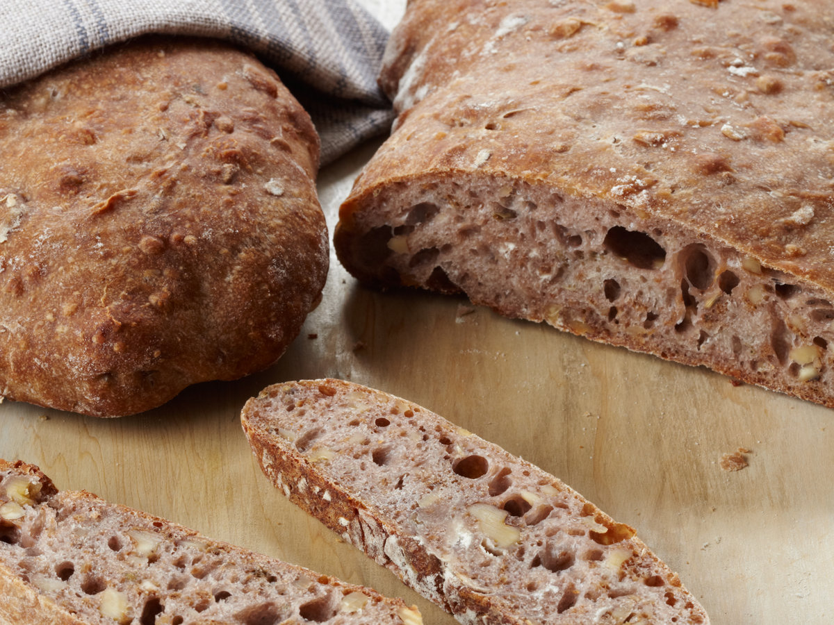 201010-r-walnut-bread.jpg