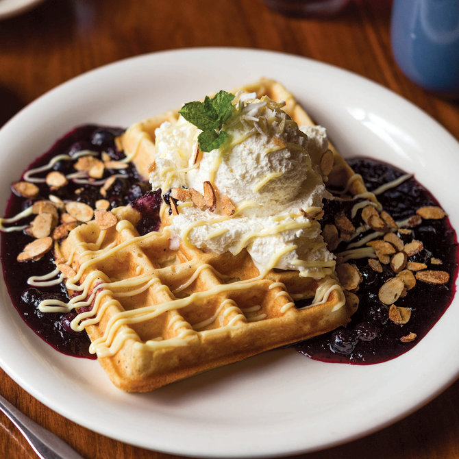 Food & Wine: Lucky's Cafe
