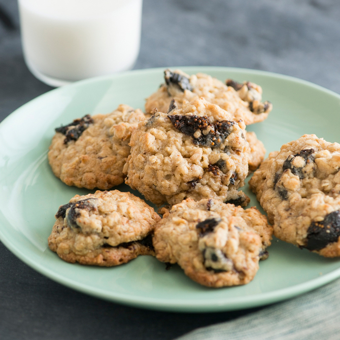 Food & Wine: Oatmeal Cookies with Dried Figs