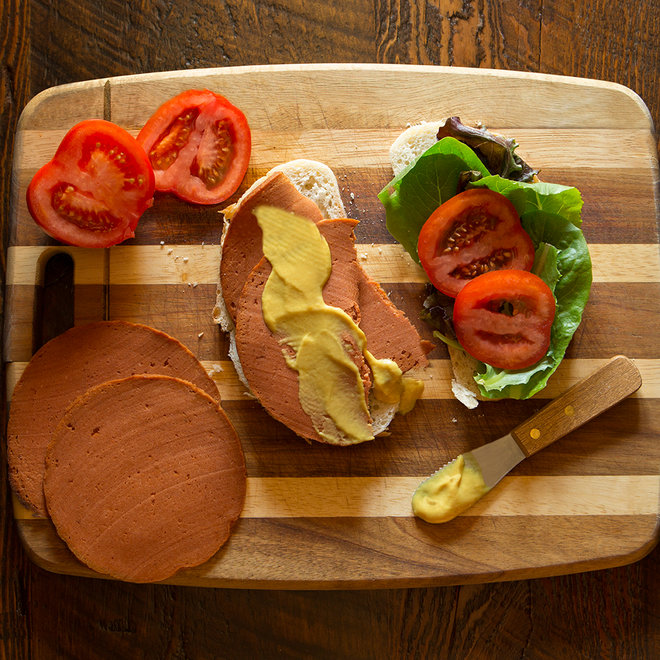 Food & Wine: vegan bologna