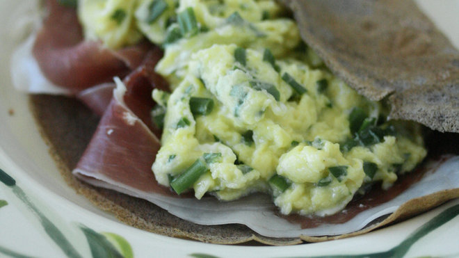 Food & Wine: green eggs and ham crepes