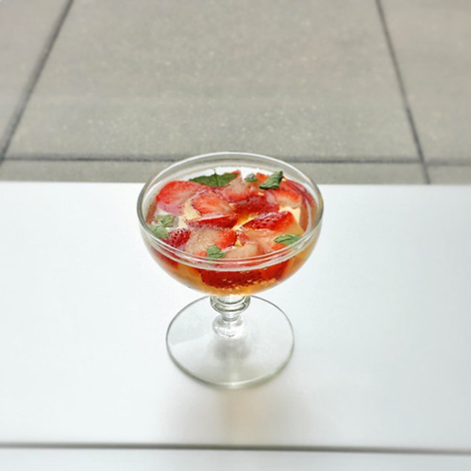 Food & Wine: Prosecco Gelee with Strawberries