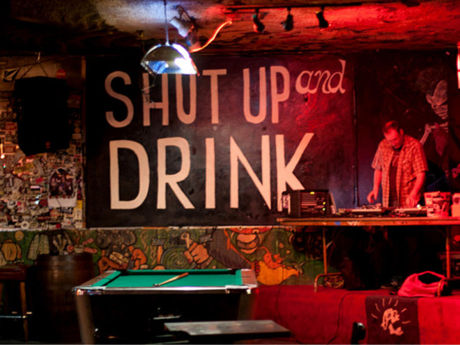 Food & Wine: Dive Bar