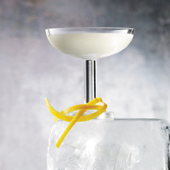 Food & Wine: 7 Manly Cocktails to Make with Lillet