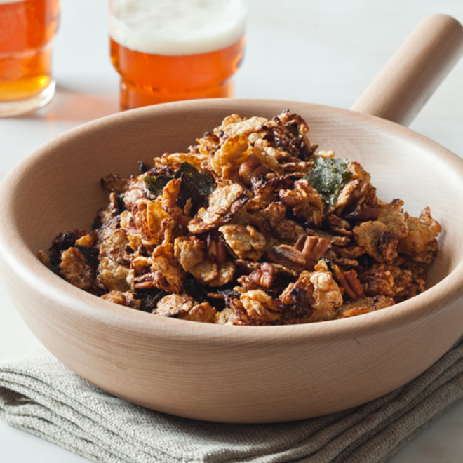 Food & Wine: Crunchy Asian-inspired snack mix with rice-flake cereal and nori