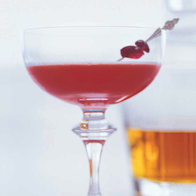 Food & Wine: Jacques Pépin's Reverse Manhattan Is a Brilliant Low-Alcohol Drink