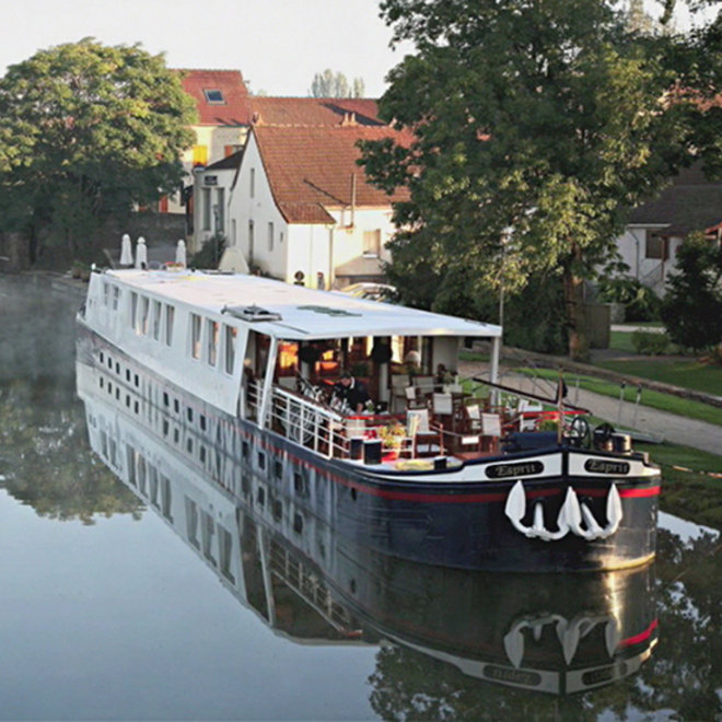 Food & Wine: Champagne River Cruise
