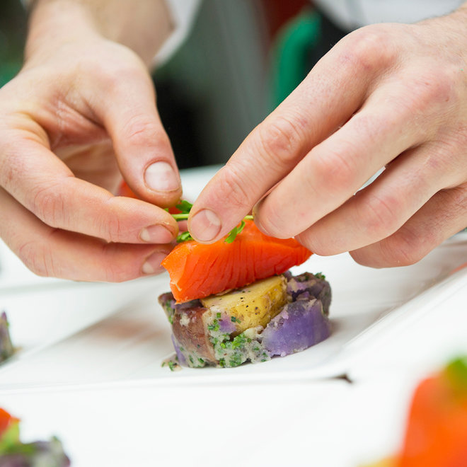 FWX HOW PLATING AFFECTS EATING