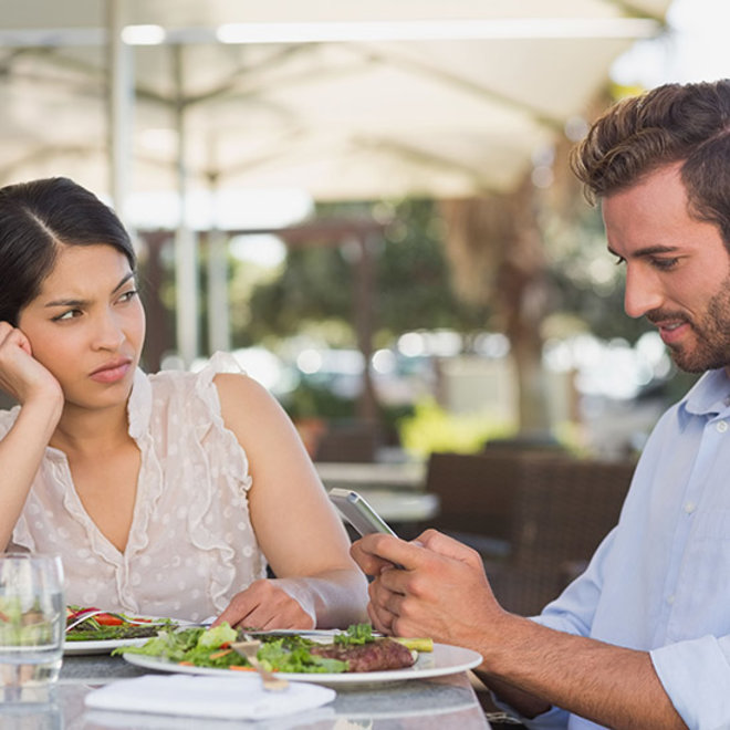 FWX TEXTING DURING DINNER