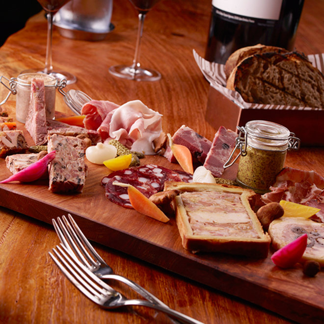 Food & Wine: 5 Best Foods for an Oscars Viewing Party Worthy of Daniel Boulud