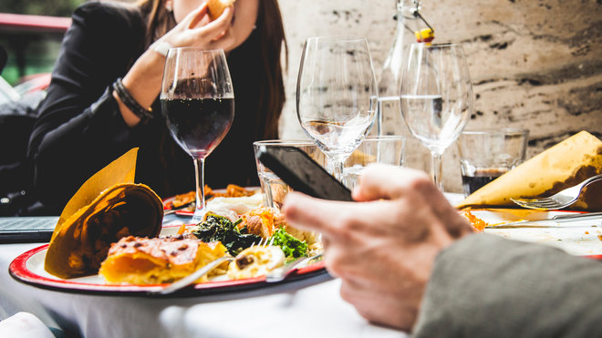 Food & Wine: Restaurant Will Lock Up Cell Phones
