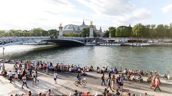 Food & Wine: Seine River Walkway